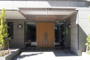 藤和駒込木戸坂ホームズのエントランス