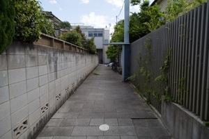 石神井公園の集合住宅のエントランス