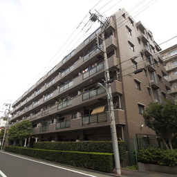 コスモ高島平駅前