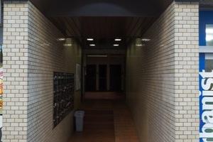 リレント三軒茶屋のエントランス