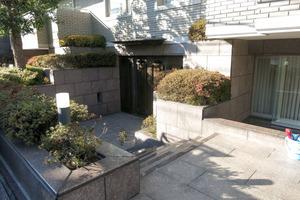 徳川山パークマンションのエントランス