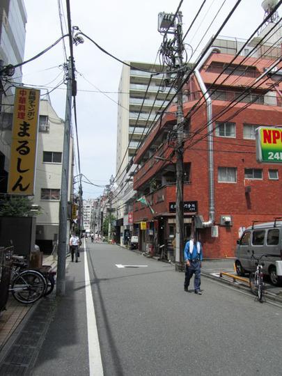 サンローゼ新宿の外観