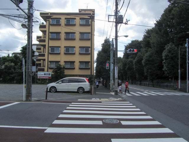 駒沢公園サマリヤマンションの外観