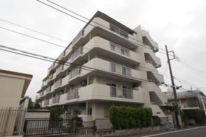 高島平マンションの外観