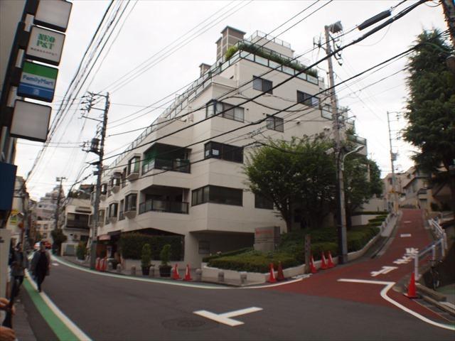 赤坂パインクレストの外観