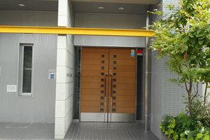 グランドメゾン菊川のエントランス