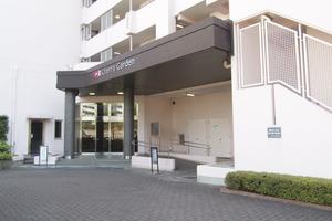 小松川チェリーガーデン3号棟のエントランス