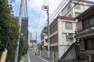 河田町ローヤルマンションの外観