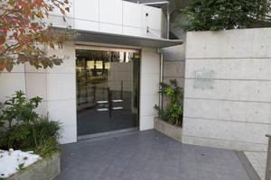 イデアル世田谷千歳台のエントランス