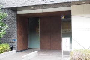 プレサンスロジェ東京湊のエントランス