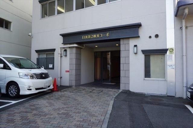 日清第2横浜コーポのエントランス