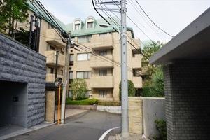 赤坂氷川町パークマンションの外観