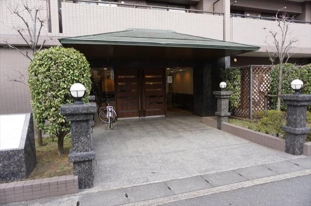 クレストフォルム武蔵新城サウスステージのエントランス