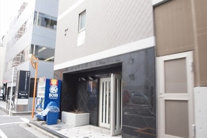 ロアール神田のエントランス