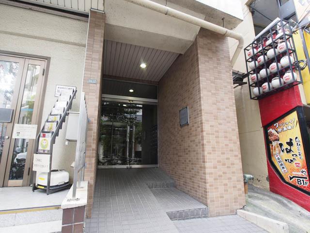 小石川コヤマハイツのエントランス