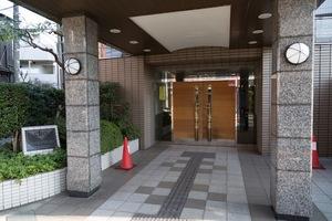 クリオ吉祥寺弐番館のエントランス