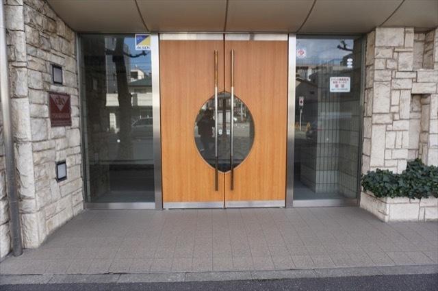 クリオ蒔田2番館のエントランス