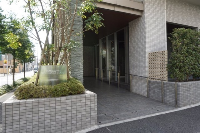 パークホームズ横浜磯子のエントランス
