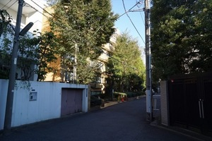 仙石山アネックスの外観