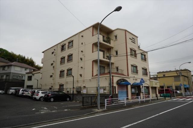 三光永田町マンションの外観