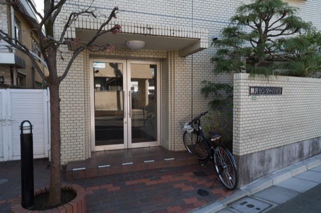 駒沢センターハイツのエントランス