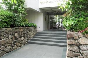 アパガーデンズ新宿戸山公園のエントランス
