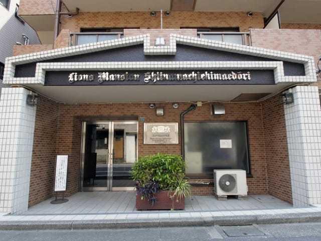 ライオンズマンション椎名町駅前通りのエントランス