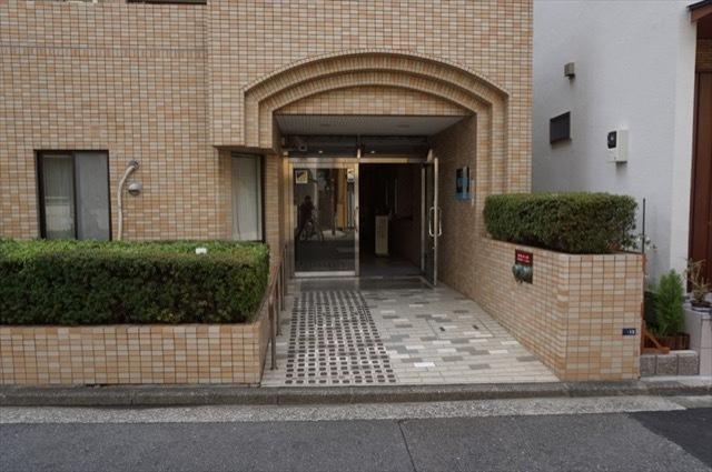 コスモ横浜鶴見のエントランス