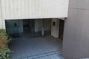 日神デュオステージ経堂のエントランス