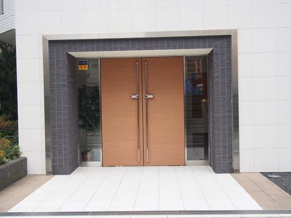 イデェオ東京studio01のエントランス