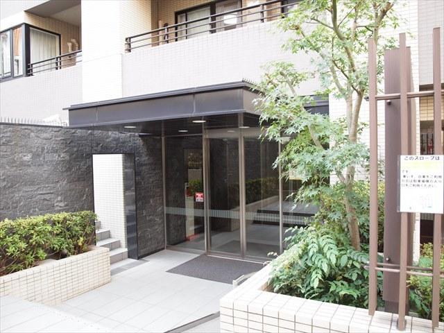 パークハウス千代田富士見のエントランス