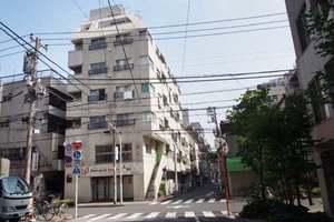 ダイカンプラザ上野2号館の外観