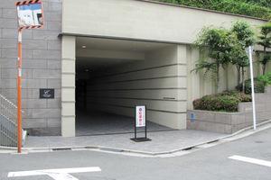クレッセント戸山夏目坂のエントランス