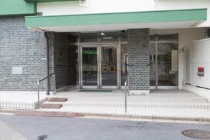 ライオンズマンション経堂のエントランス