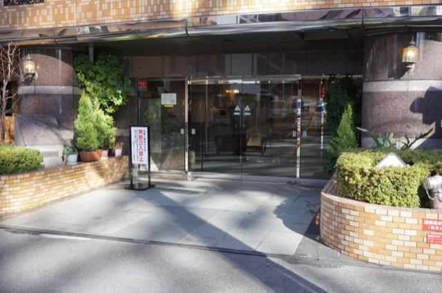 新横浜サニーコートのエントランス