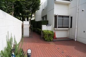 西荻窪タウンホームのエントランス