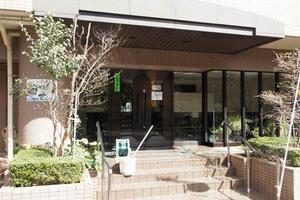 バームハイツ東綾瀬公園のエントランス