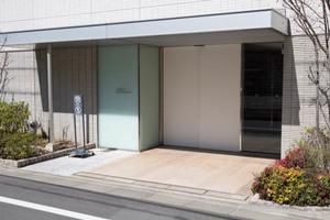 コスモイオ桜新町のエントランス