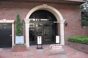 トーシンフェニックス笹塚駅前弐番館のエントランス