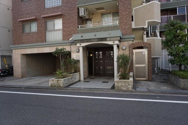 サンクチュアリ横浜吉野町パークフロントのエントランス
