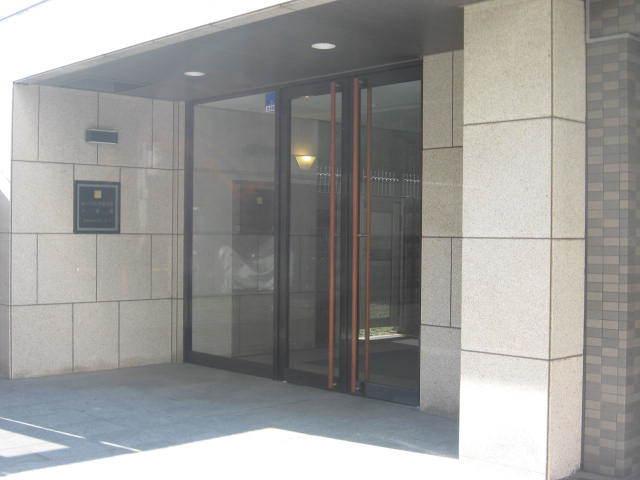ルーブル学芸大学6番館のエントランス
