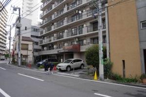 朝日板橋駅前マンションの外観