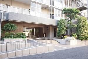 汐浜サンハイツ(1〜3号棟)のエントランス