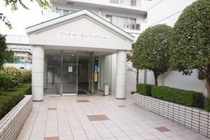 東建ニューハイツ元加賀のエントランス