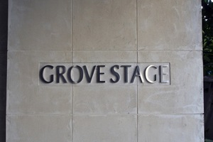 グローヴステージの看板