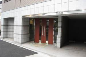 サンスタレ駒沢セカンドコートのエントランス