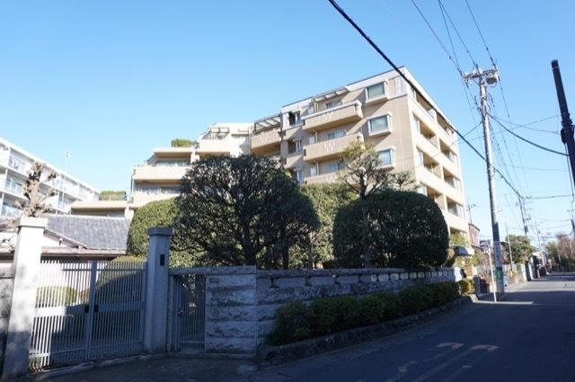 小田急コアロード向ヶ丘遊園の外観