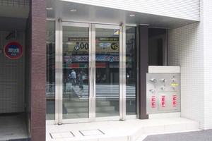 グランベル東京シークのエントランス