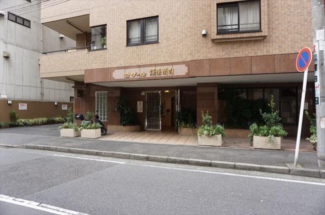 セザール横浜関内のエントランス
