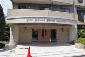 ライオンズマンション南長崎のエントランス
